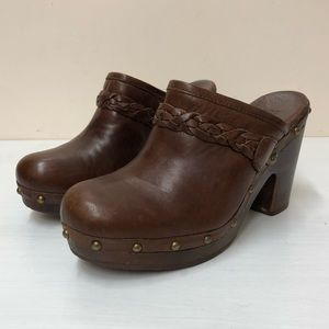 UGG kaylee brown leather /Wooden clog heels (8)